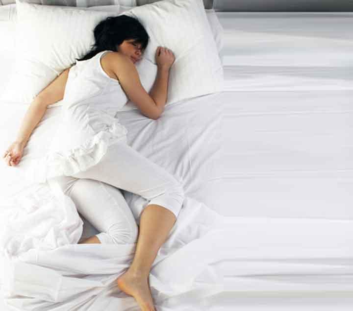 Ik val meestal in slaap op mijn buik.